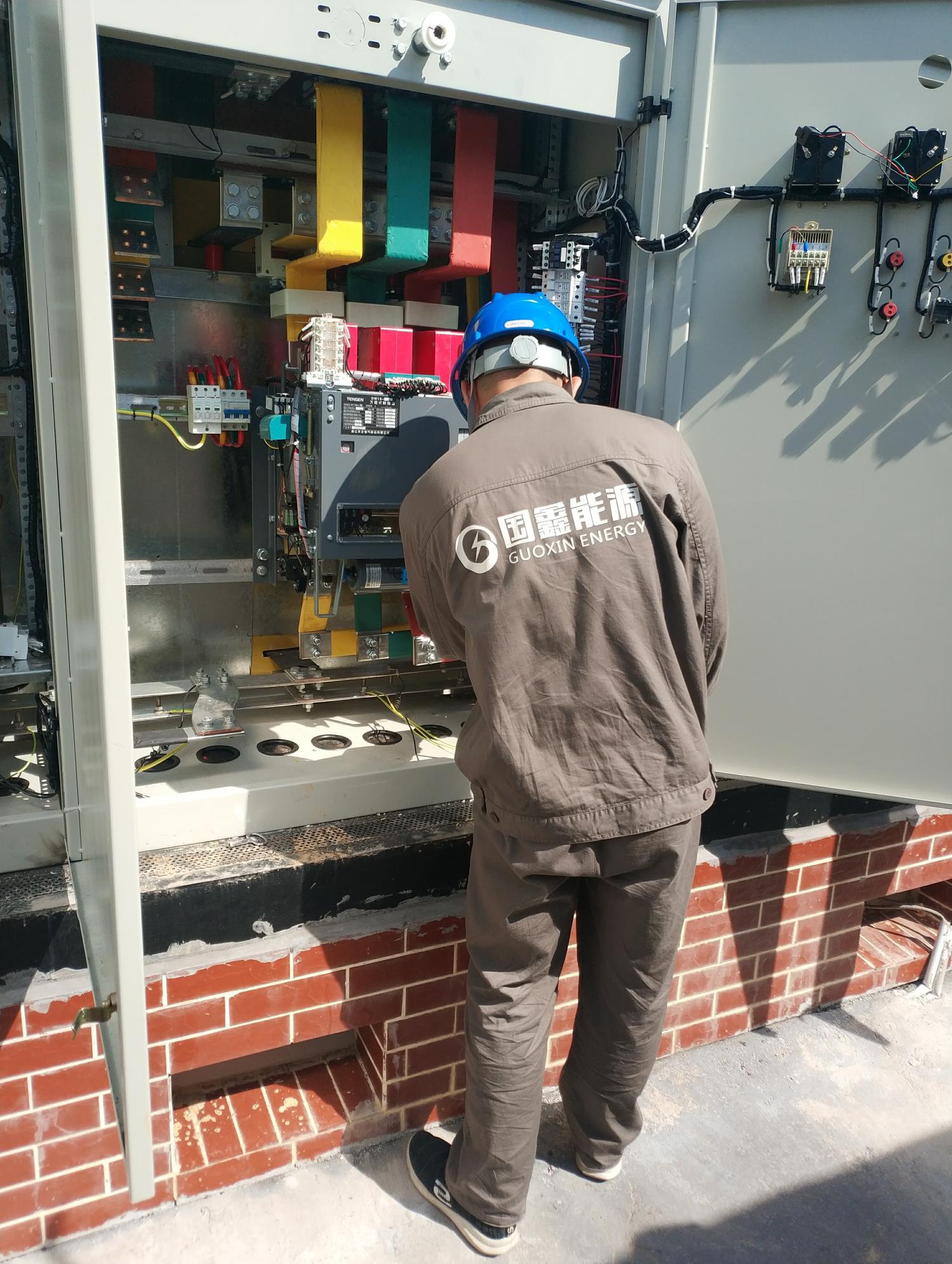 湖南银和瓷业有限公司送电作业现场---采集器调试(2)