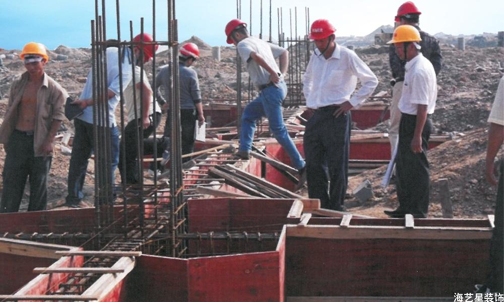 2009年10月25日广西钦州港三枫综合楼基础施工