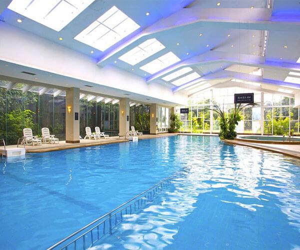 新疆大酒店室內恒溫游泳池
