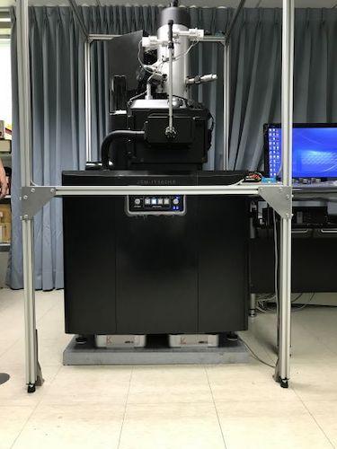 电子显微镜主动减震台.jpg