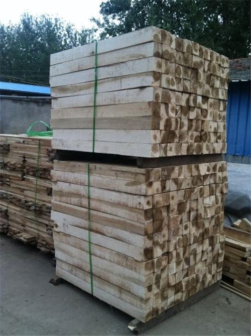 青島木材加工廠-楊木方廠家
